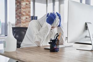 Virus informático y virus biológico: 3 paralelismos clave para luchar contra ellos