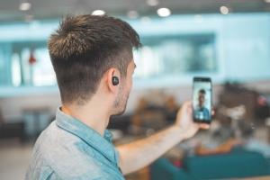 Las ciberamenazas crecen con el auge de las videollamadas: consejos de seguridad