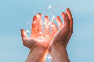 Agiliza la implantación de procesos y aplicaciones de negocio con Smart Help
