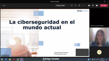 Raquel Puebla, analista de ciberinteligencia de Entelgy Innotec Security, impartió una charla a los alumnos de Criminología de la URJC